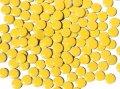 キュートな丸タイル バラ 濃黄色